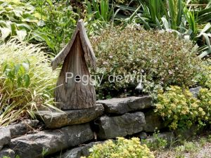 Birdhouse-Stone-Ledge-3656