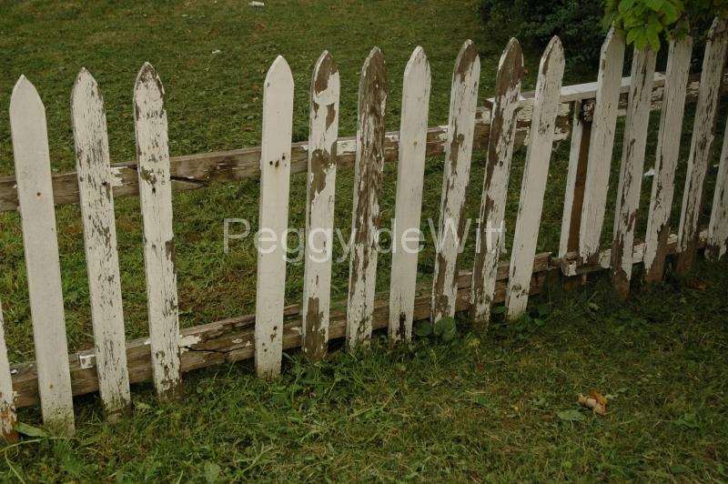 Kingston White Fence #1494