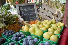 Vegetable Stand Pears #3438