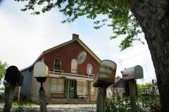 House Rednersville Mailboxes #2562