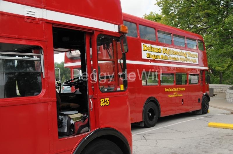 Niagara Falls Tour Buses #2235