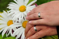Hands Wedding Daisy #2550