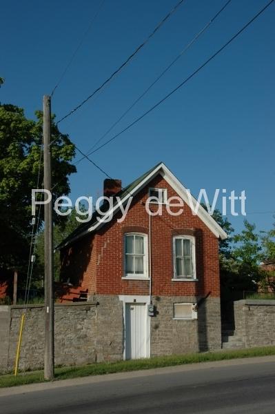 Picton House Narrow (v) #1569