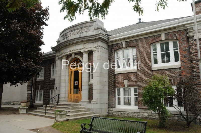 Picton Library #2581