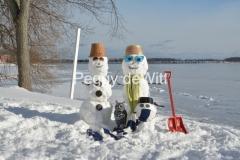 Snowmen Couple Shovel #3497