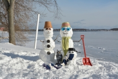 Snowmen Couple Shovel #3497