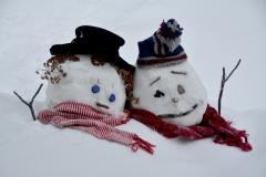 Snowmen Couple Snowbank #3503